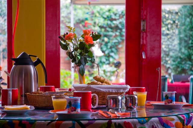 200_beautiful-breakfast-table
