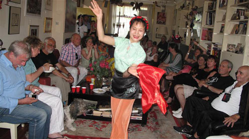more-chinese-dancing.jpg