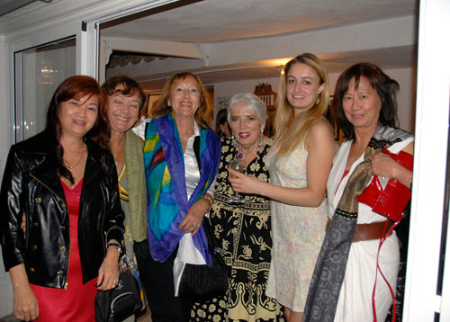 benalmadena-group-with-hannelore-and-chinese-friend